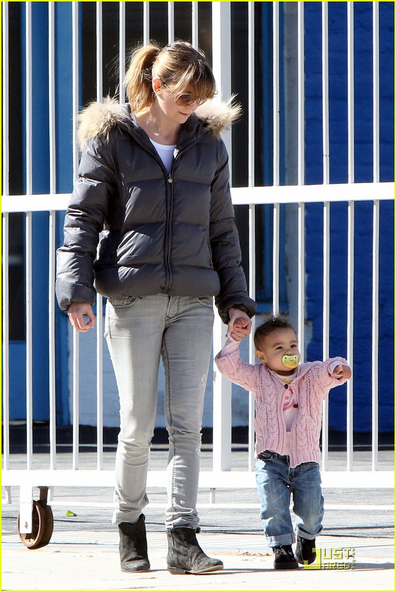 ellen pompeo petting zoo with stella 04