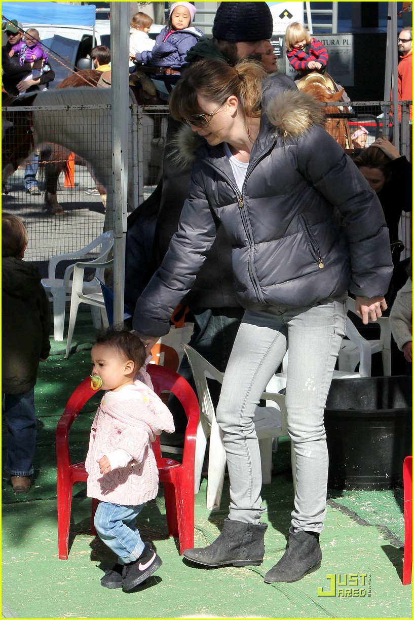 ellen pompeo petting zoo with stella 072523985