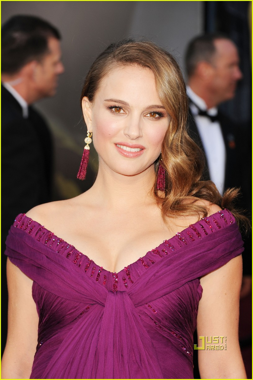 natalie portman oscars 2011 red carpet 05