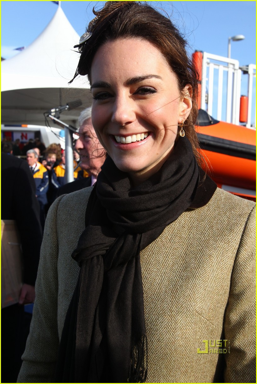 prince william kate middleton lifeboat 07