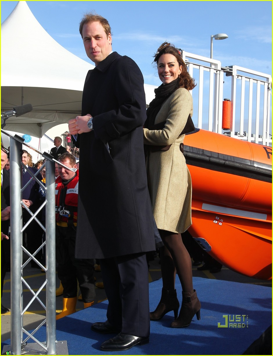 prince william kate middleton lifeboat 102522568