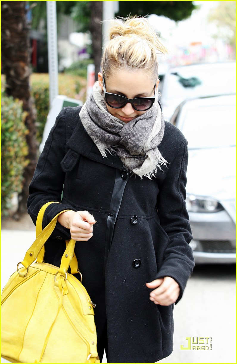 nicole richie happy workout woman 032521218