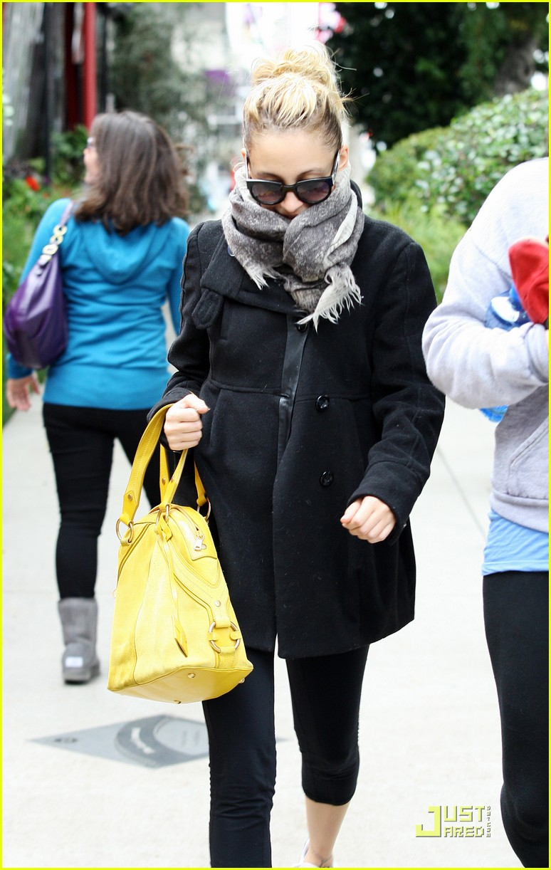 nicole richie happy workout woman 062521221