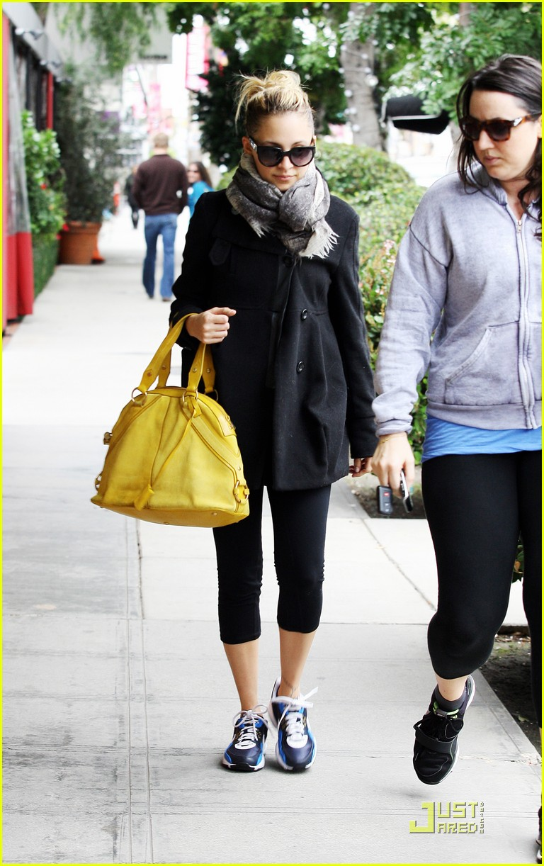 nicole richie happy workout woman 092521224