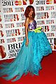rihanna brits red carpet 06