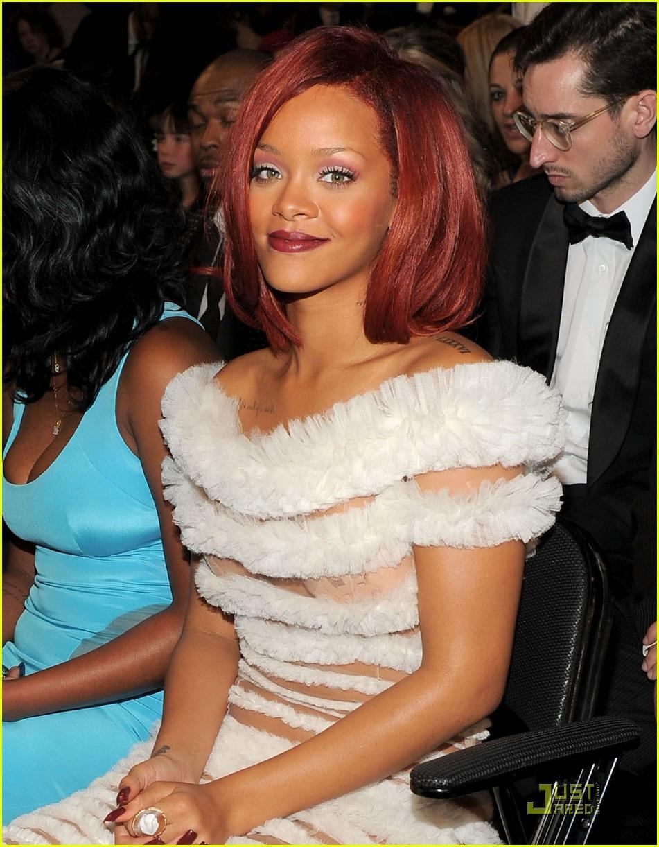 Rihanna - Grammys 2011 Red Carpet: Photo 2519381   2011 ...