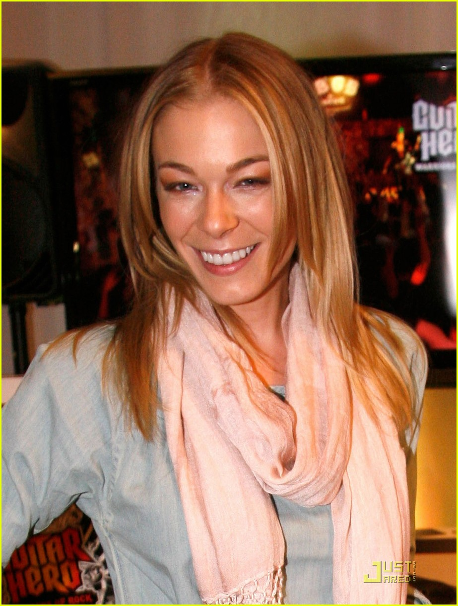 where is leann rimes today
