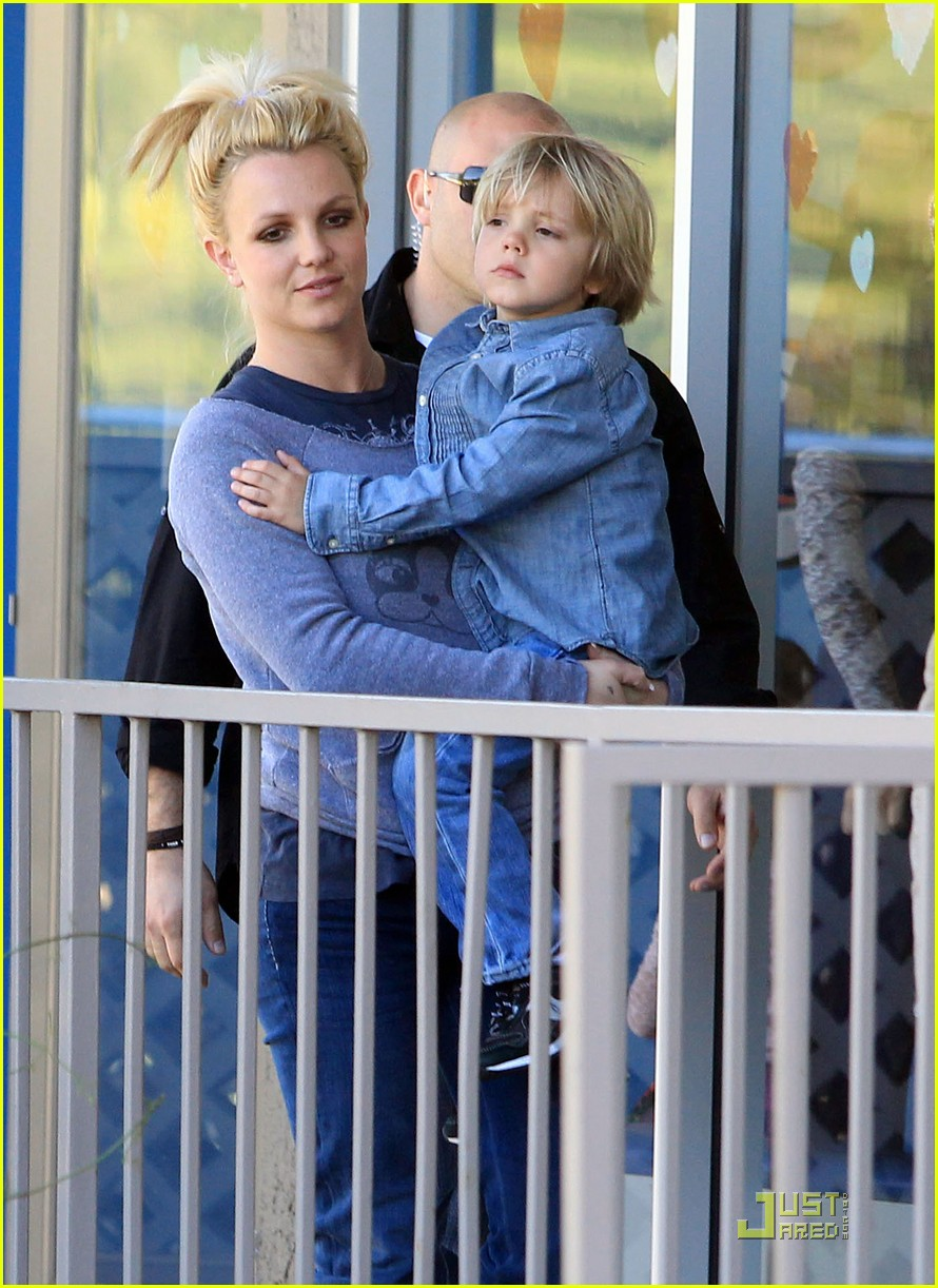 britney spears jayden james karate practice 02