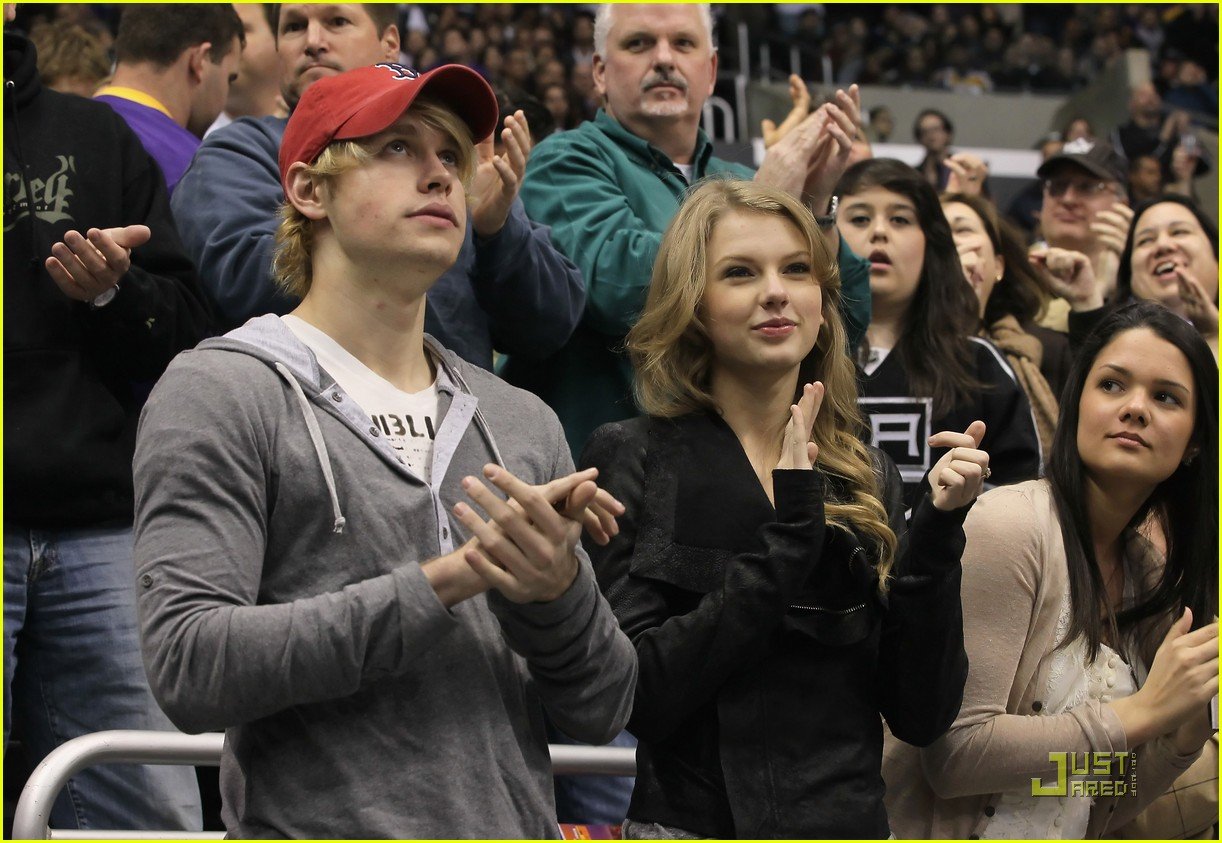 taylor swift chord overstreet new couple alert 052522832