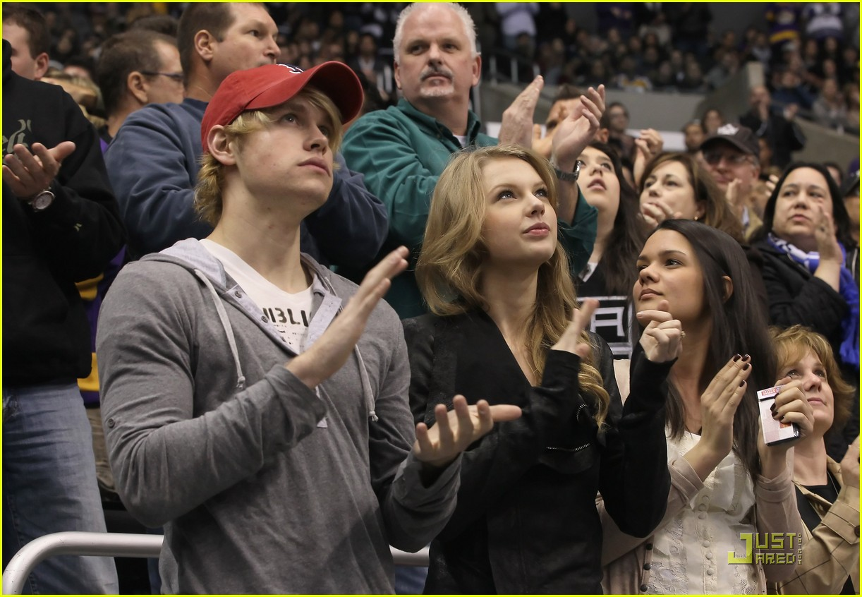 taylor swift chord overstreet new couple alert 06