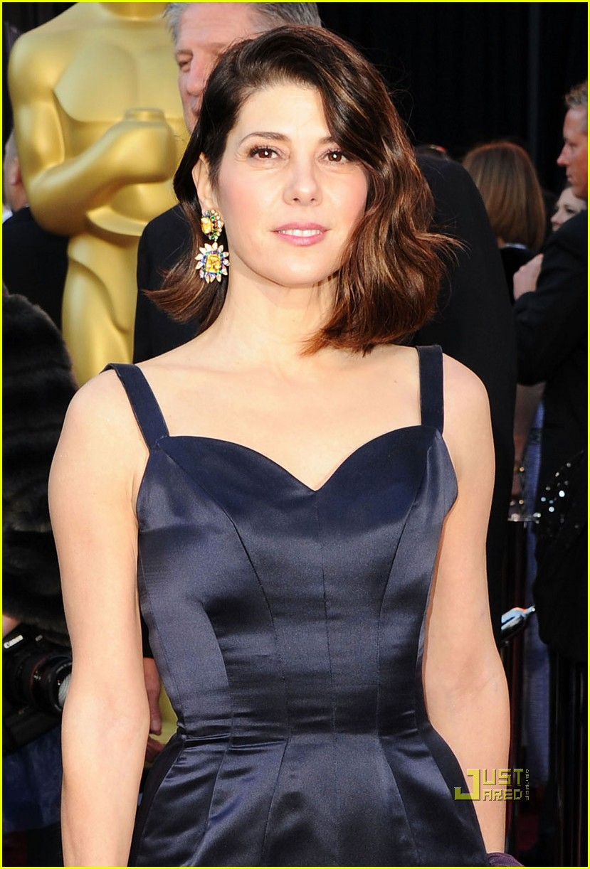 marisa tomei oscars 2011 red carpet 012523646