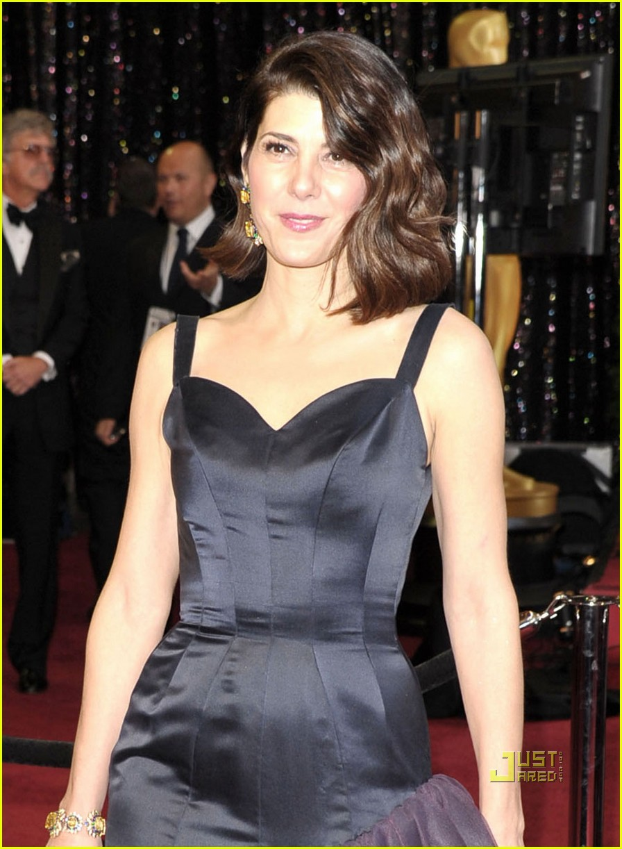 marisa tomei oscars 2011 red carpet 02