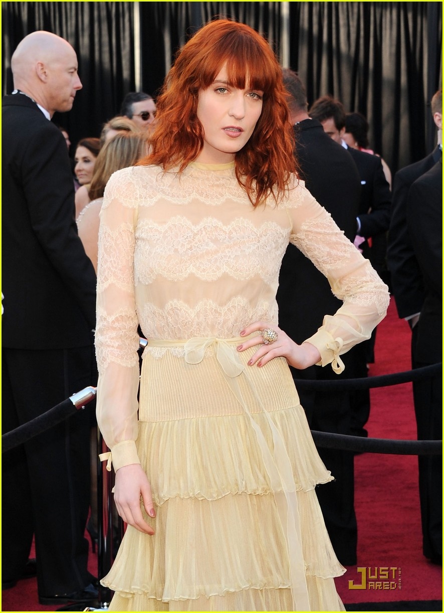 florence welch oscars 2011 062523564