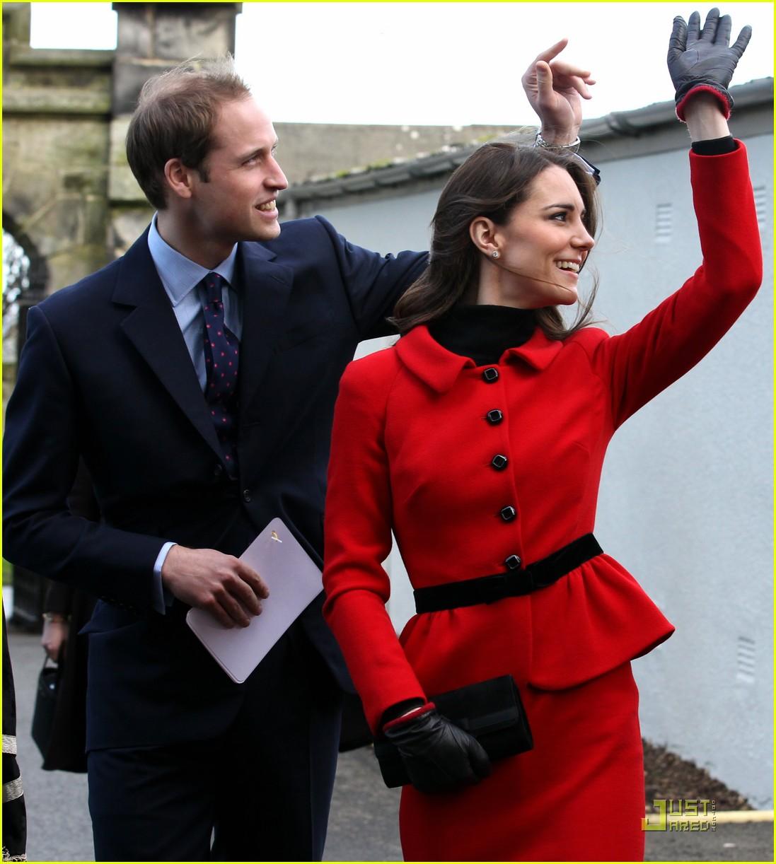 prince william kate middleton return to st andrews 052522838