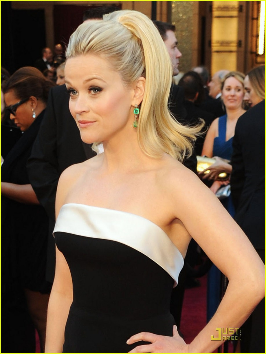 reese witherspoon oscars 2011 022523662