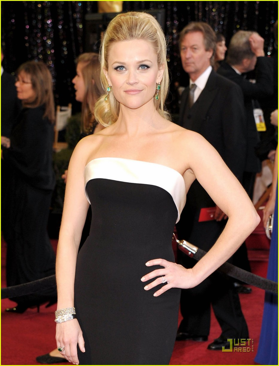 reese witherspoon oscars 2011 032523663