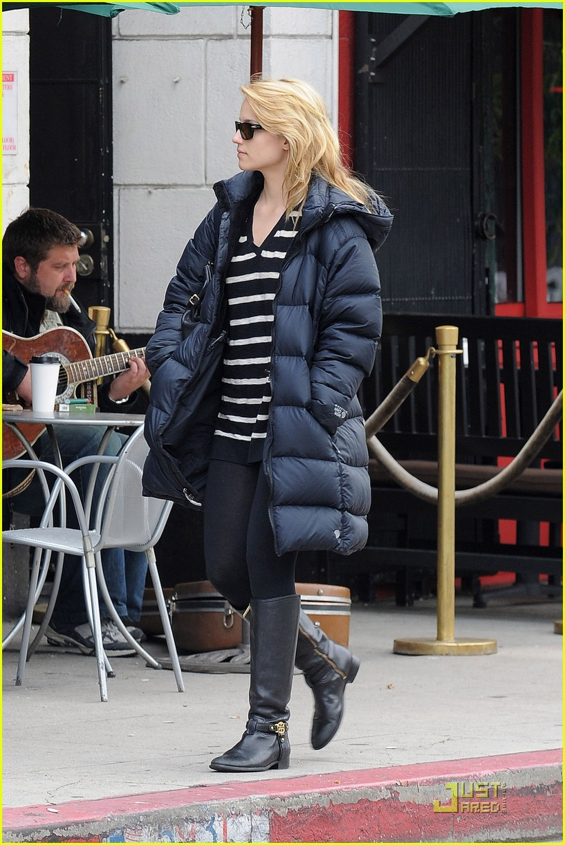 dianna agron newsstand pit stop 012524847