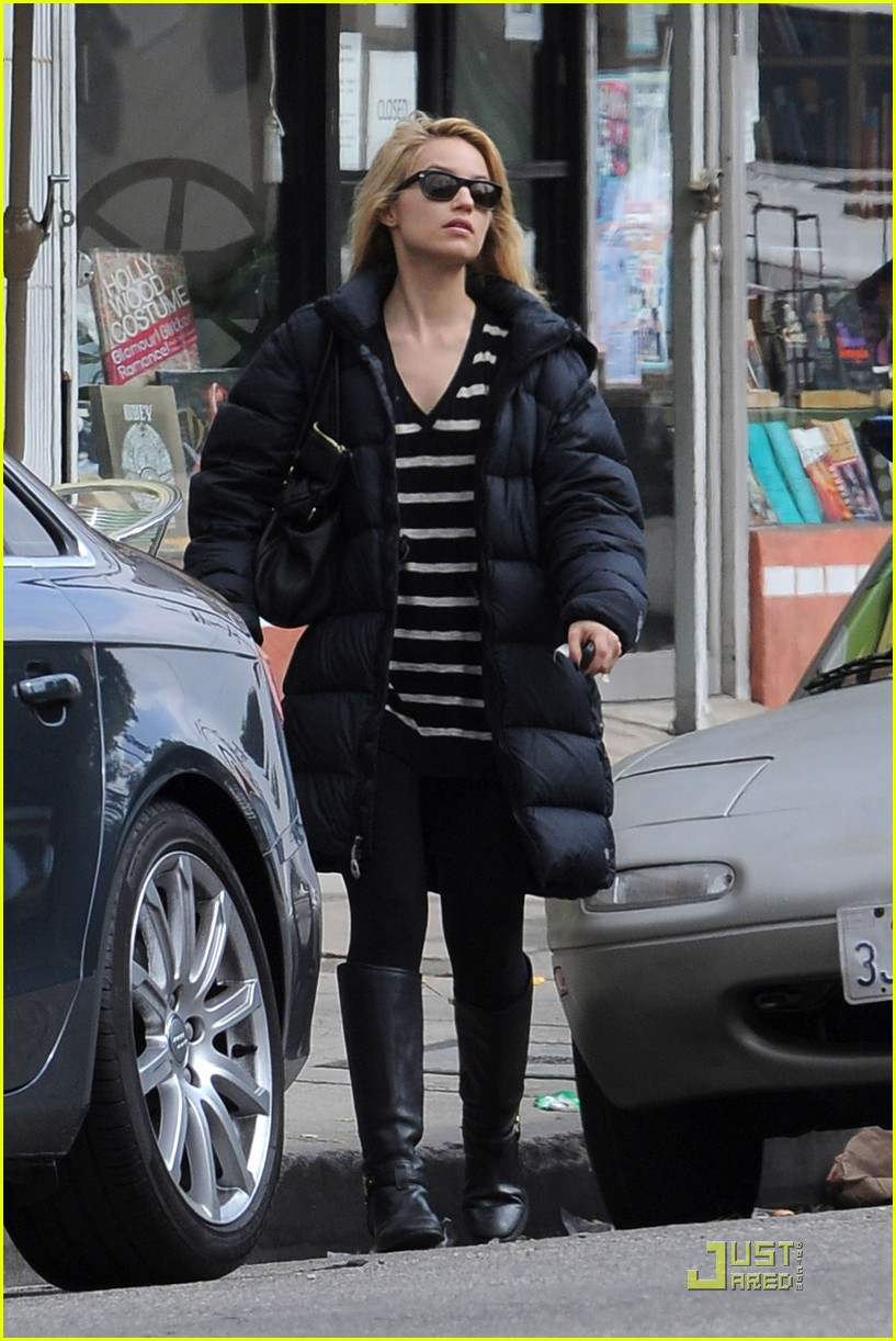 dianna agron newsstand pit stop 092524855