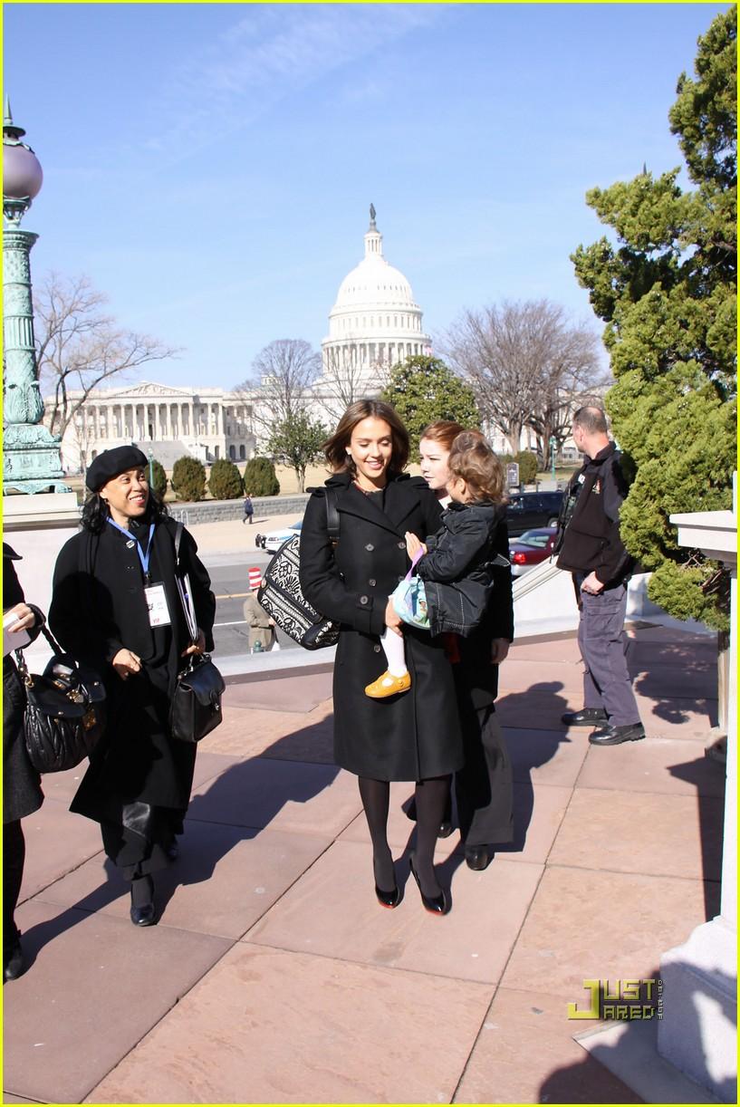 jessica alba library of congress read across america day 052524544
