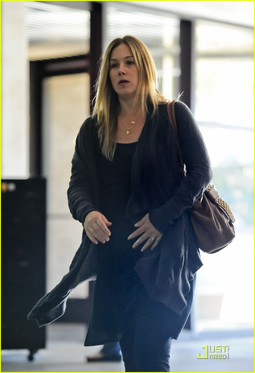 christina applegate doctors office 012527103