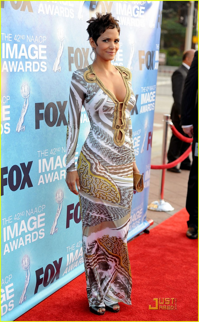 halle berry naacp image awards 142525131