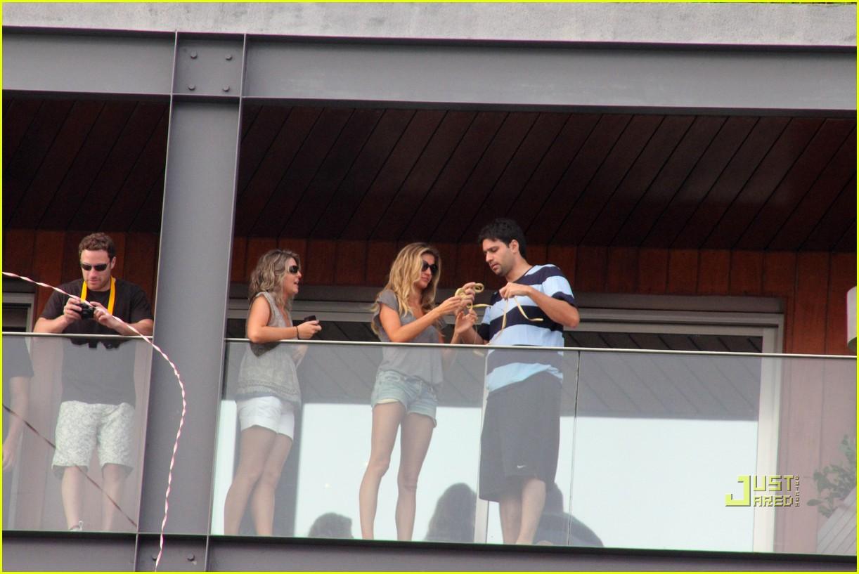 gisele bundchen tom brady brazil balcony 012525836