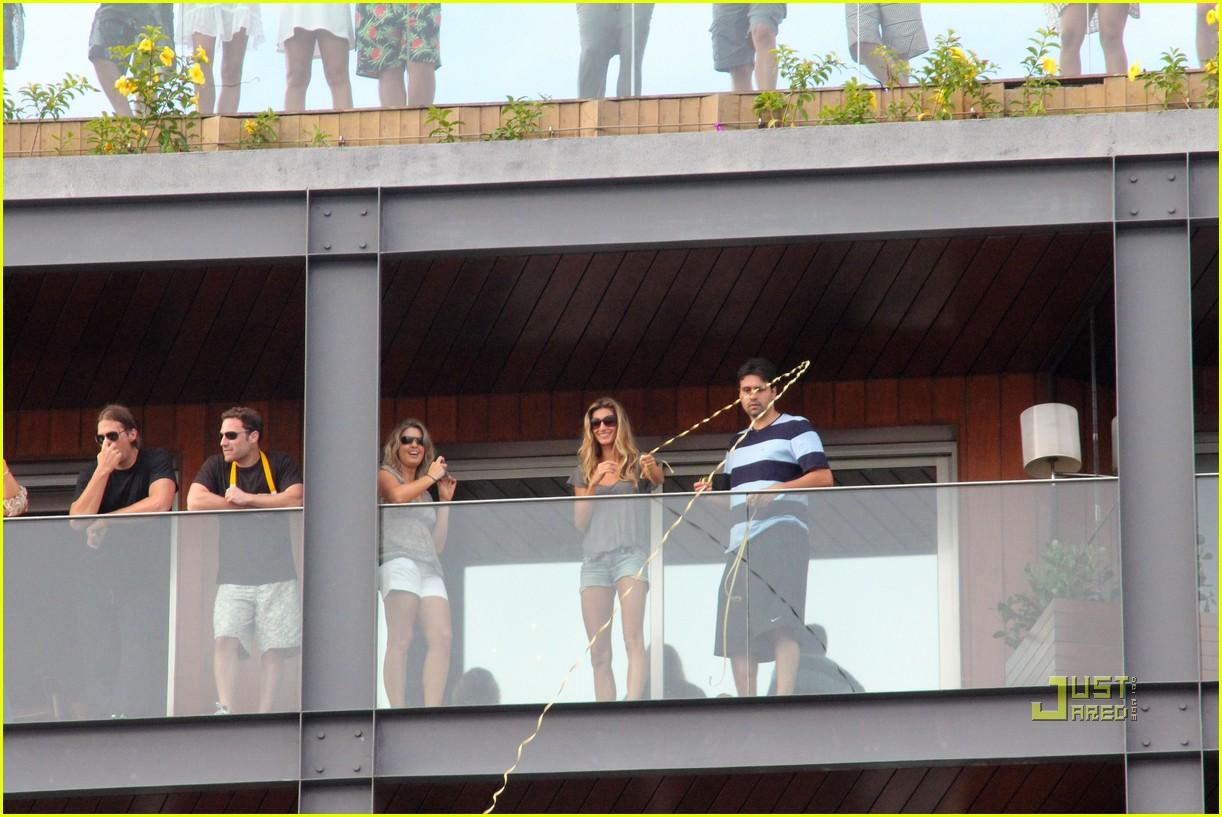 gisele bundchen tom brady brazil balcony 022525837