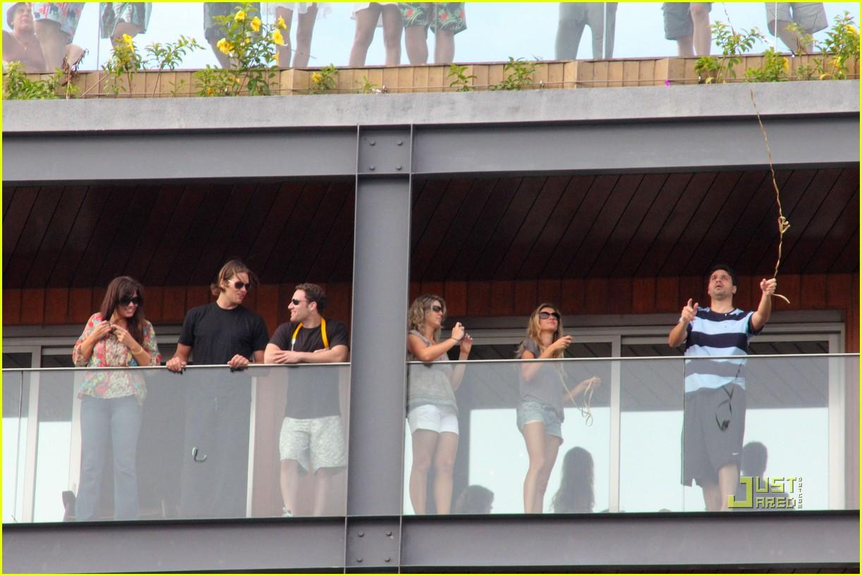 gisele bundchen tom brady brazil balcony 092525844