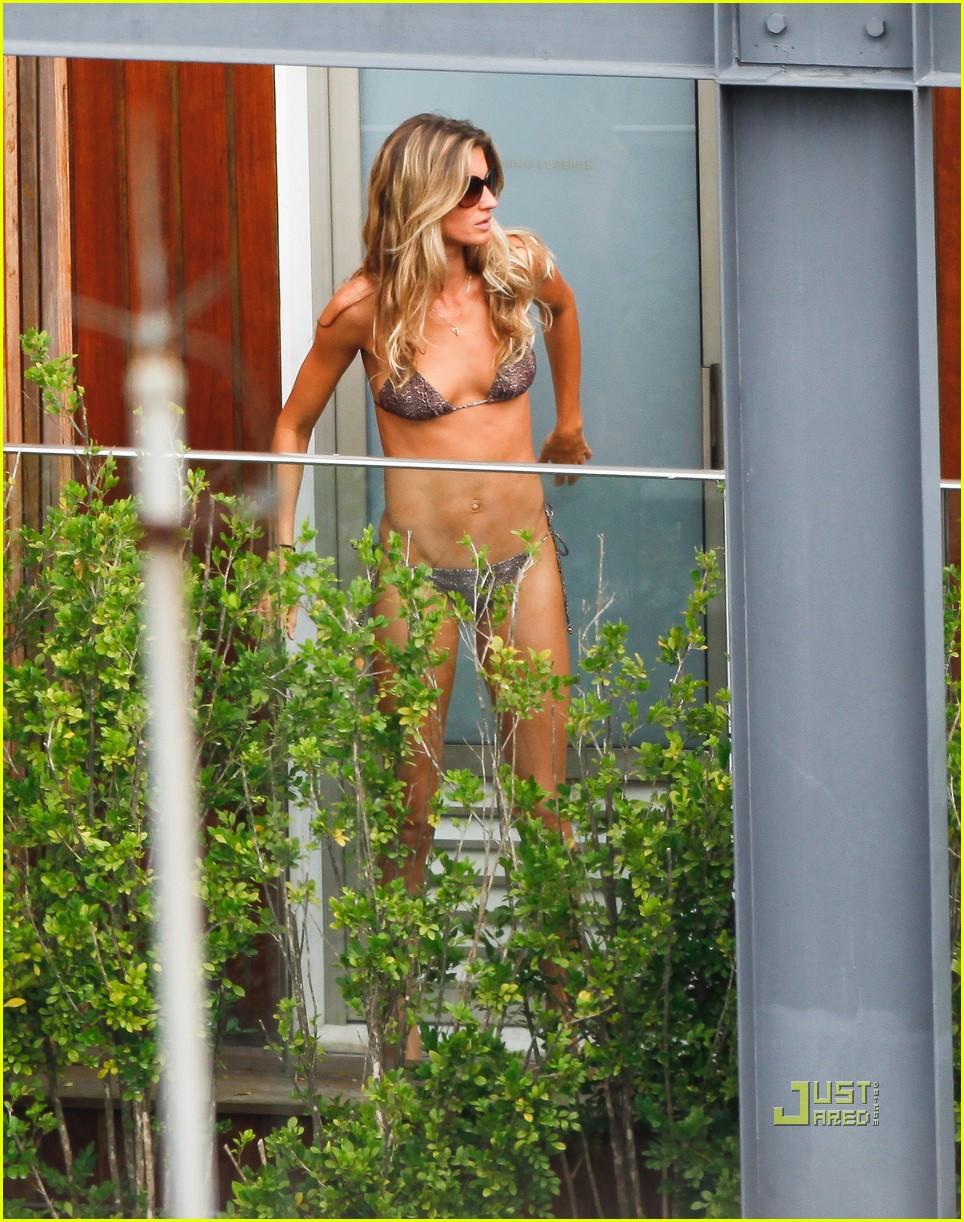 gisele bundchen bikini hotel pool brazil 132525461