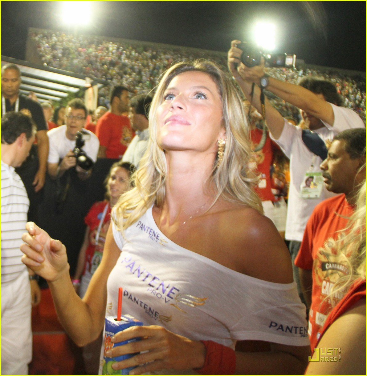 gisele bundchen tom brady carnival couple 08
