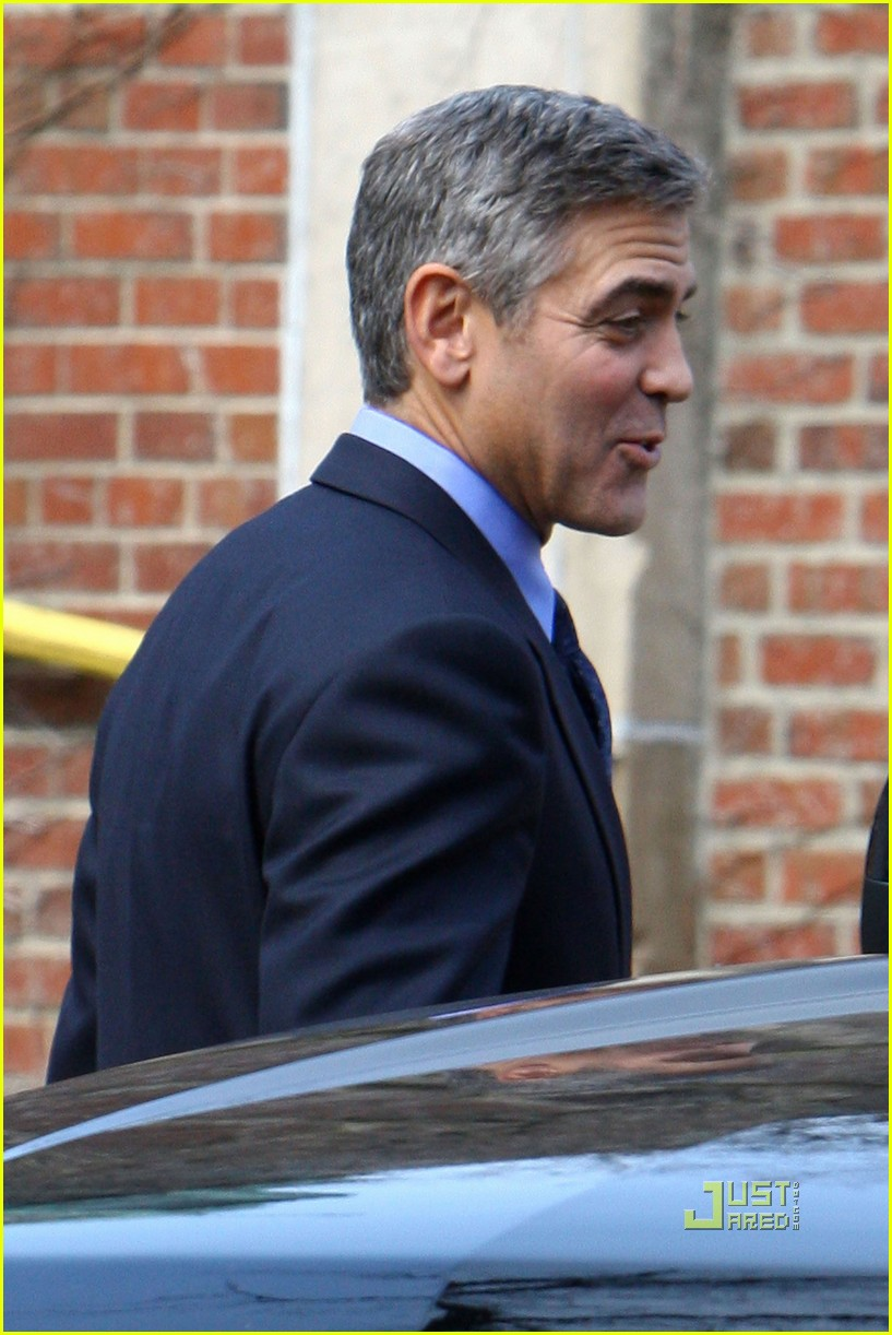 George clooney suit ides of march 03 jpg