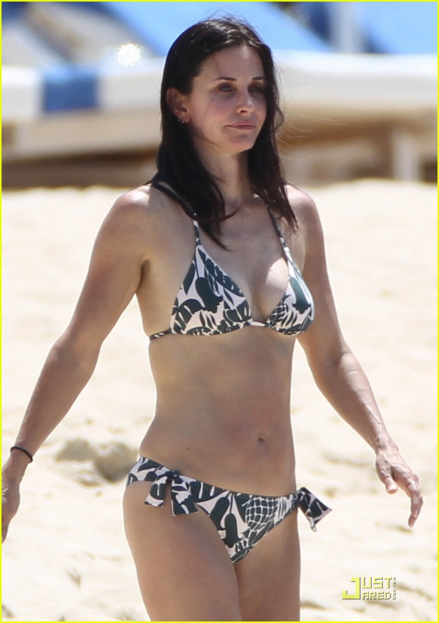 Courtney Cox In Bikini