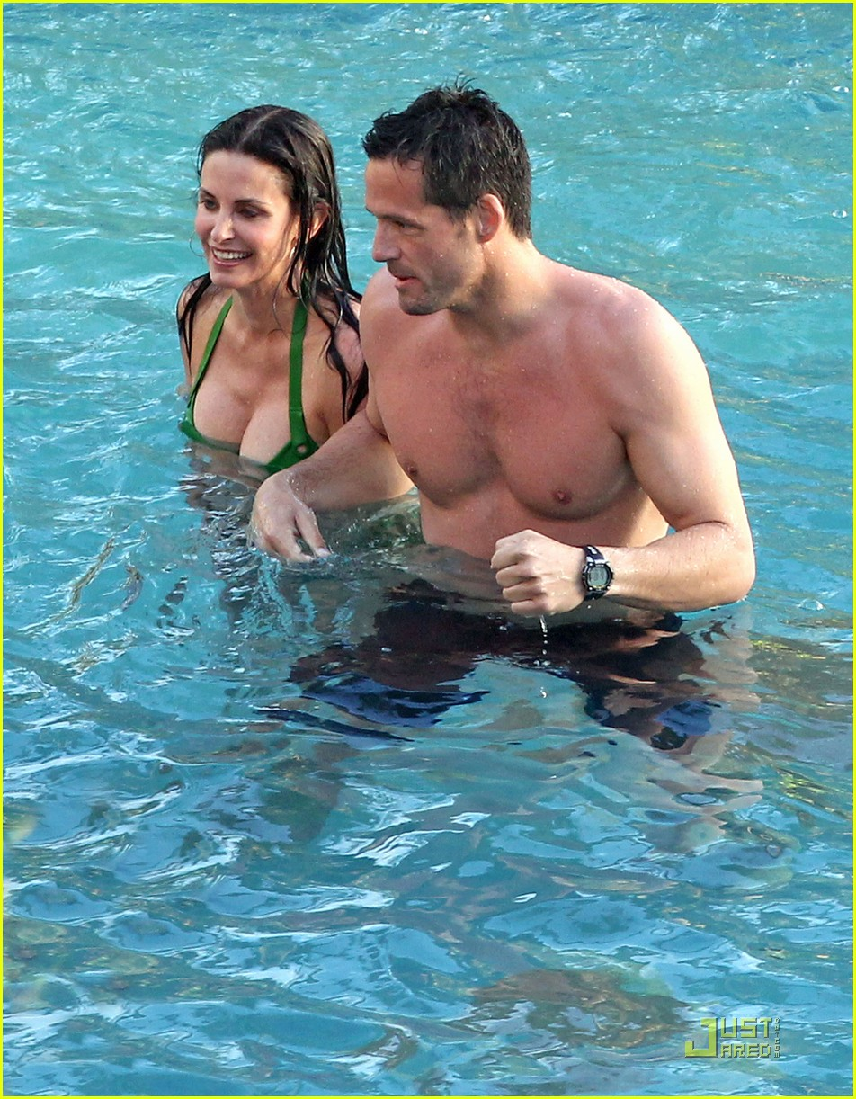 courteney cox josh hopkins cougar town twosome 022524653