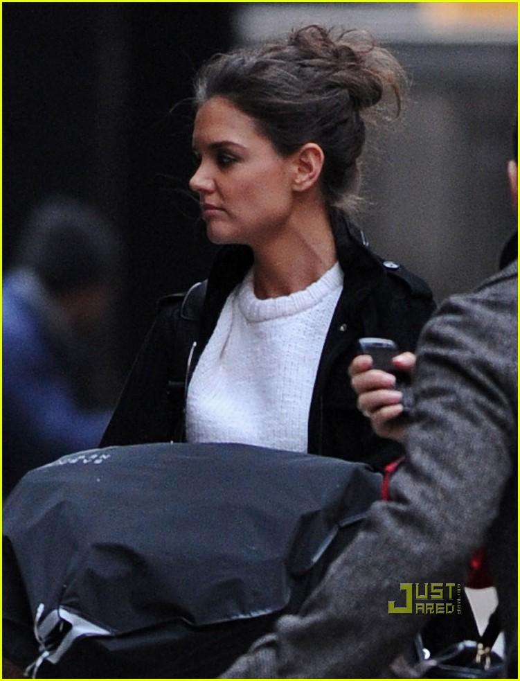 katie holmes yang preview event 022527794