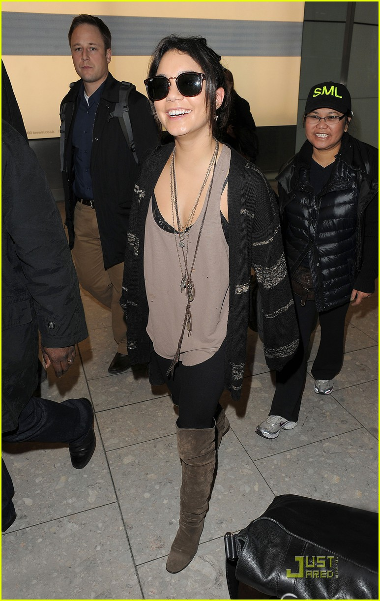 vanessa hudgens london bound with abbie cornish 04