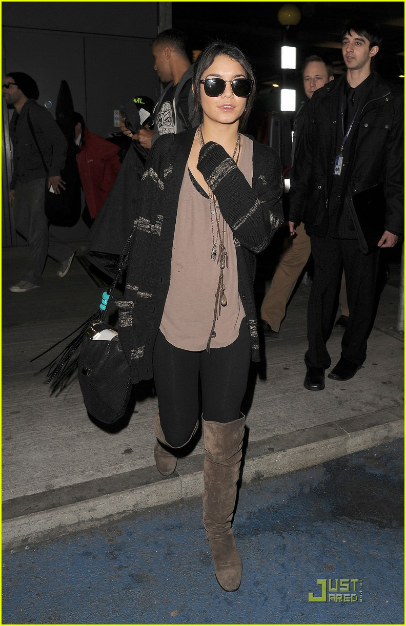 vanessa hudgens london bound with abbie cornish 09