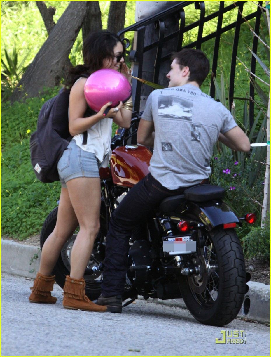 vanessa hudgens josh hutcherson motorcycle 042527933