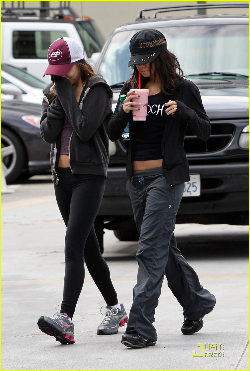 vanessa hudgens gym and smoothies with stella 052529883