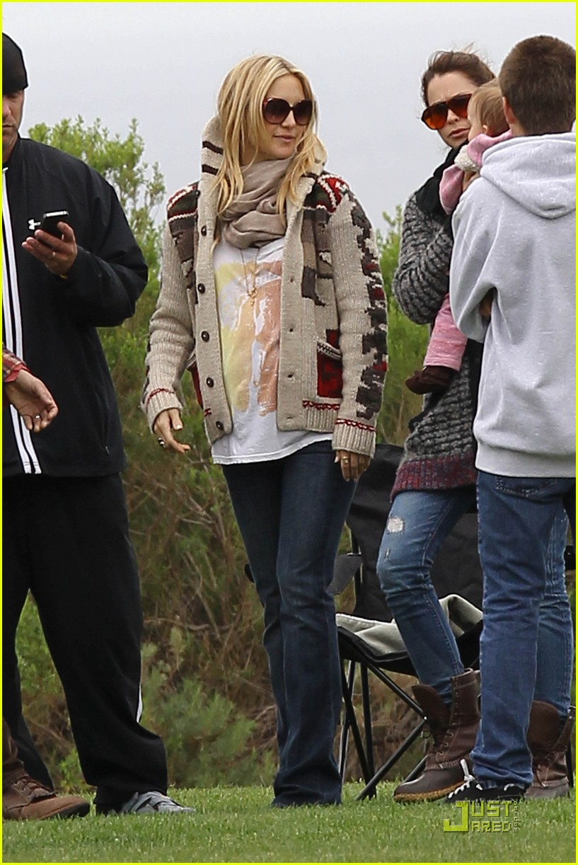 kate hudson family time with chris robinson 03