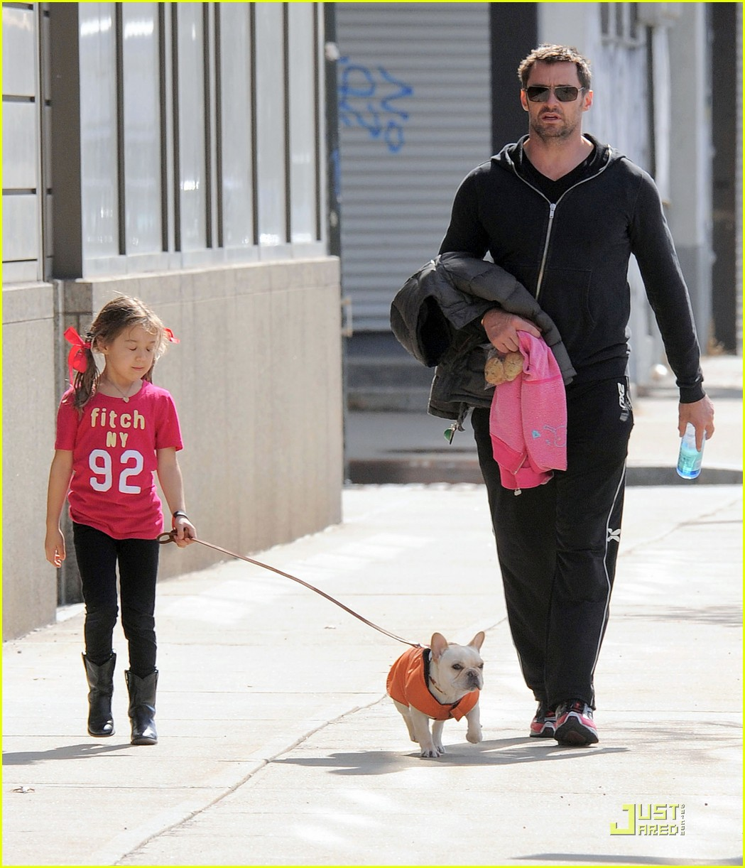hugh jackman dog walk with ava 102525320