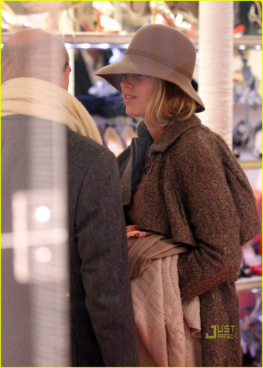 blake lively louboutin shoe shopping 03