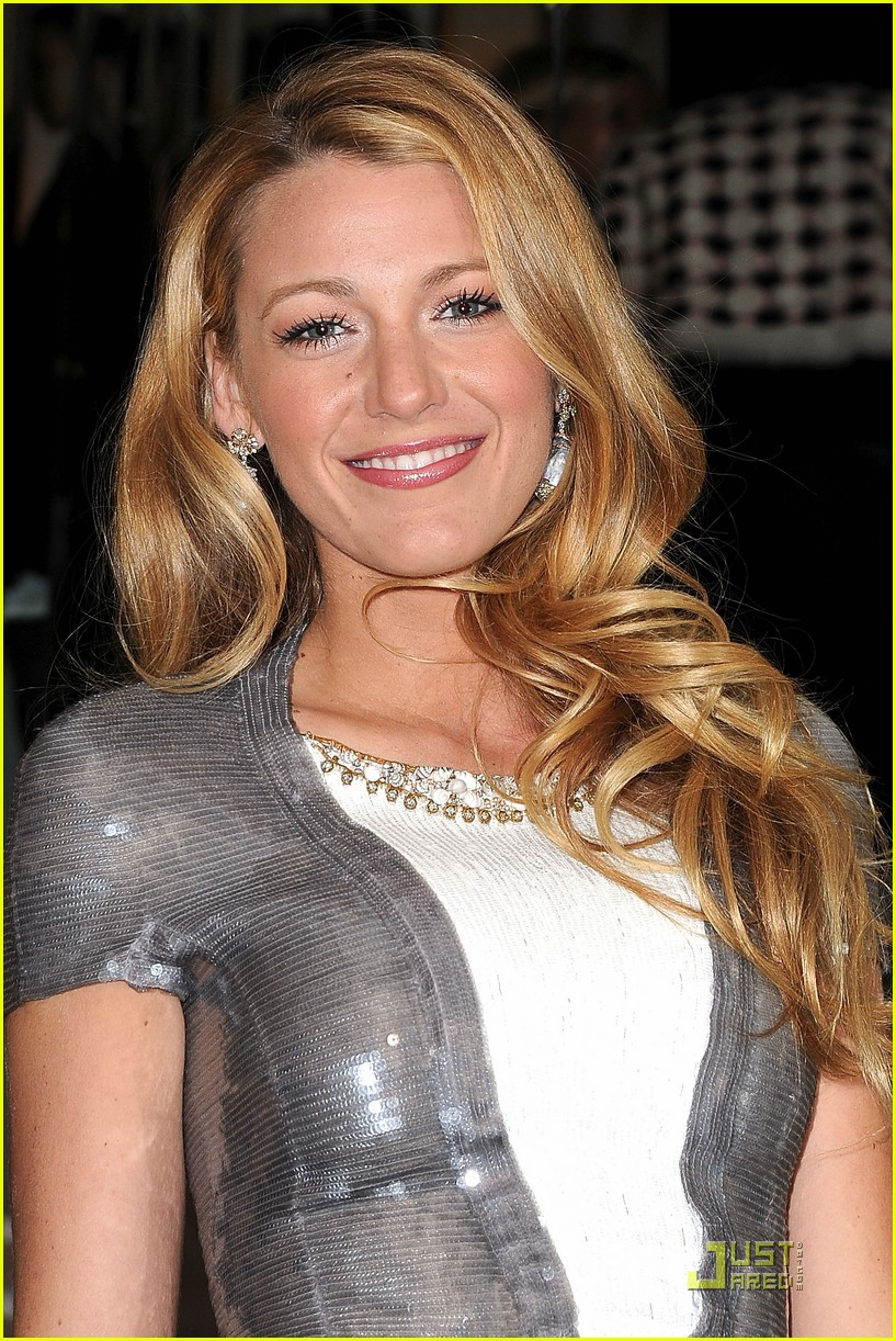 blake lively chanel dinner paris 01