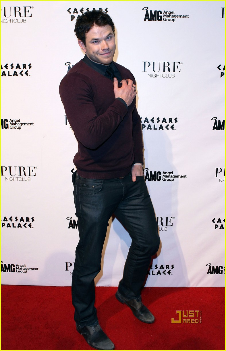 kellan lutz birthday pure nightclub 02