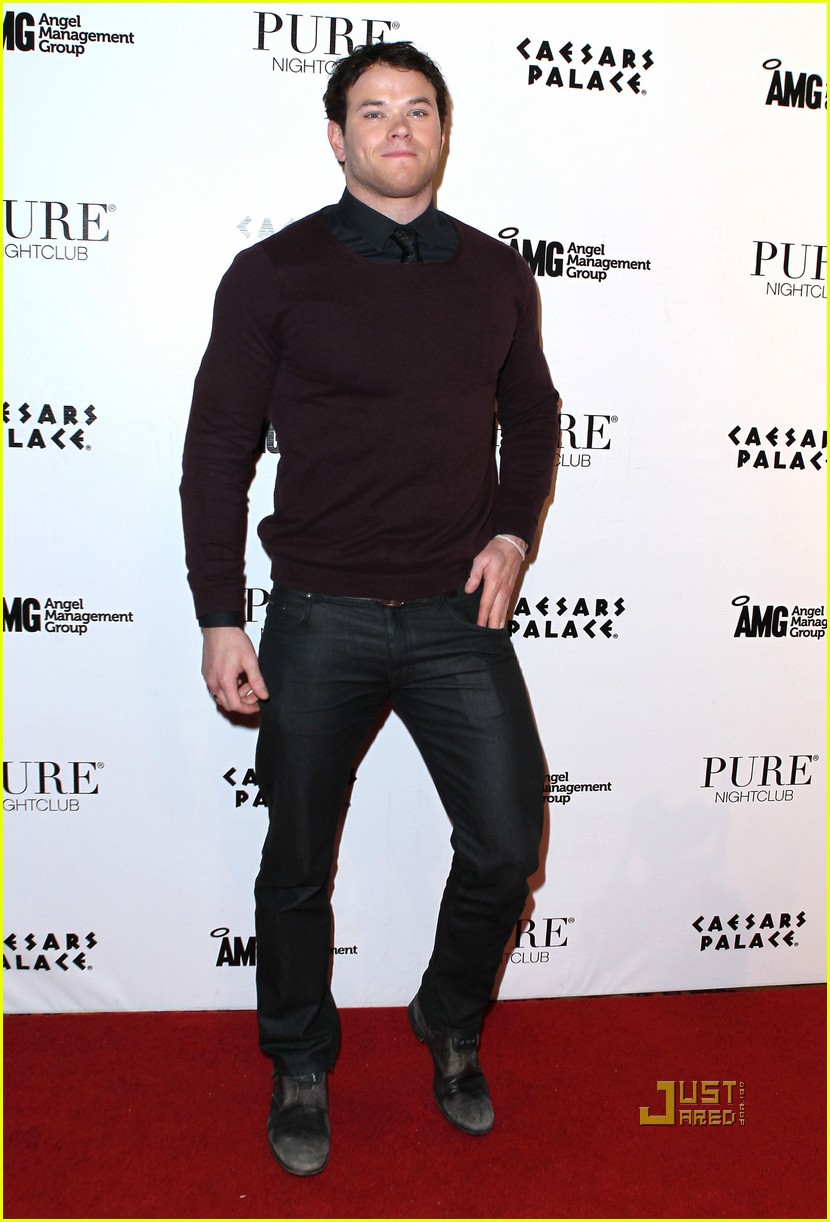 kellan lutz birthday pure nightclub 04