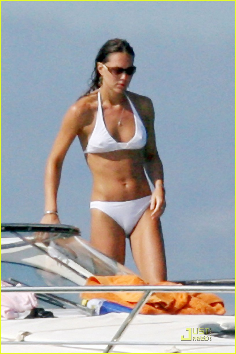 kate middleton prince william bikini 042527373