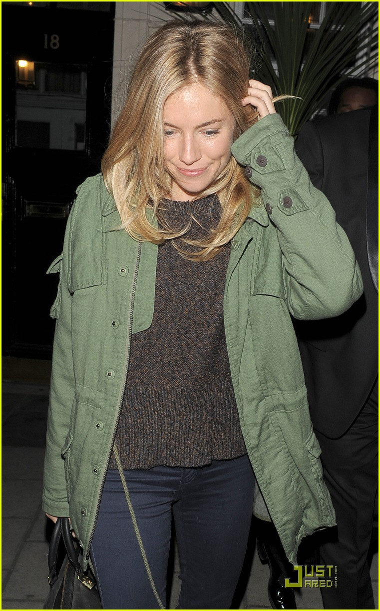 sienna miller performs in flare path 04