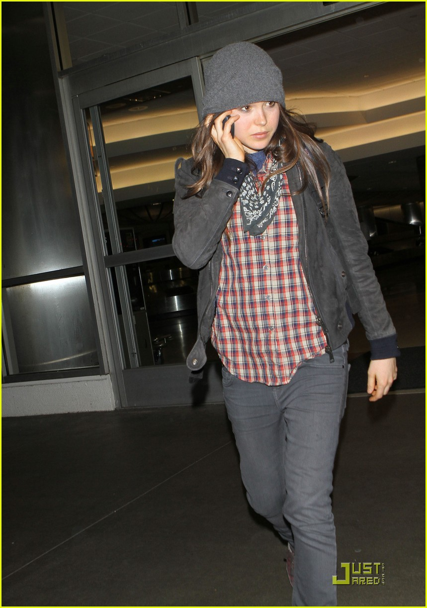 ellen page lands in los angeles 032527761