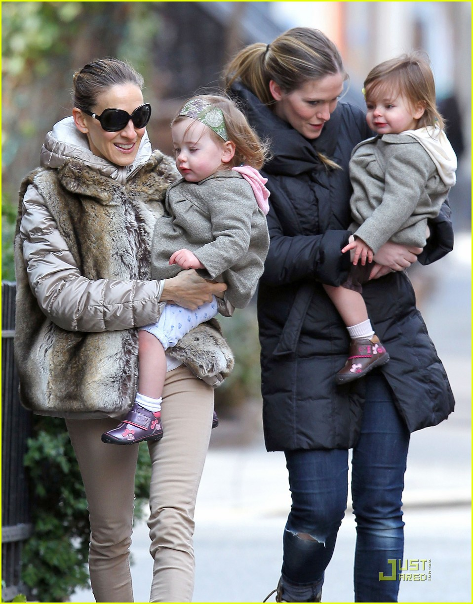 0c74e93e5545c Sarah Jessica Parker: Birthday Stroll with the Twins!: Photo 2530614 ...