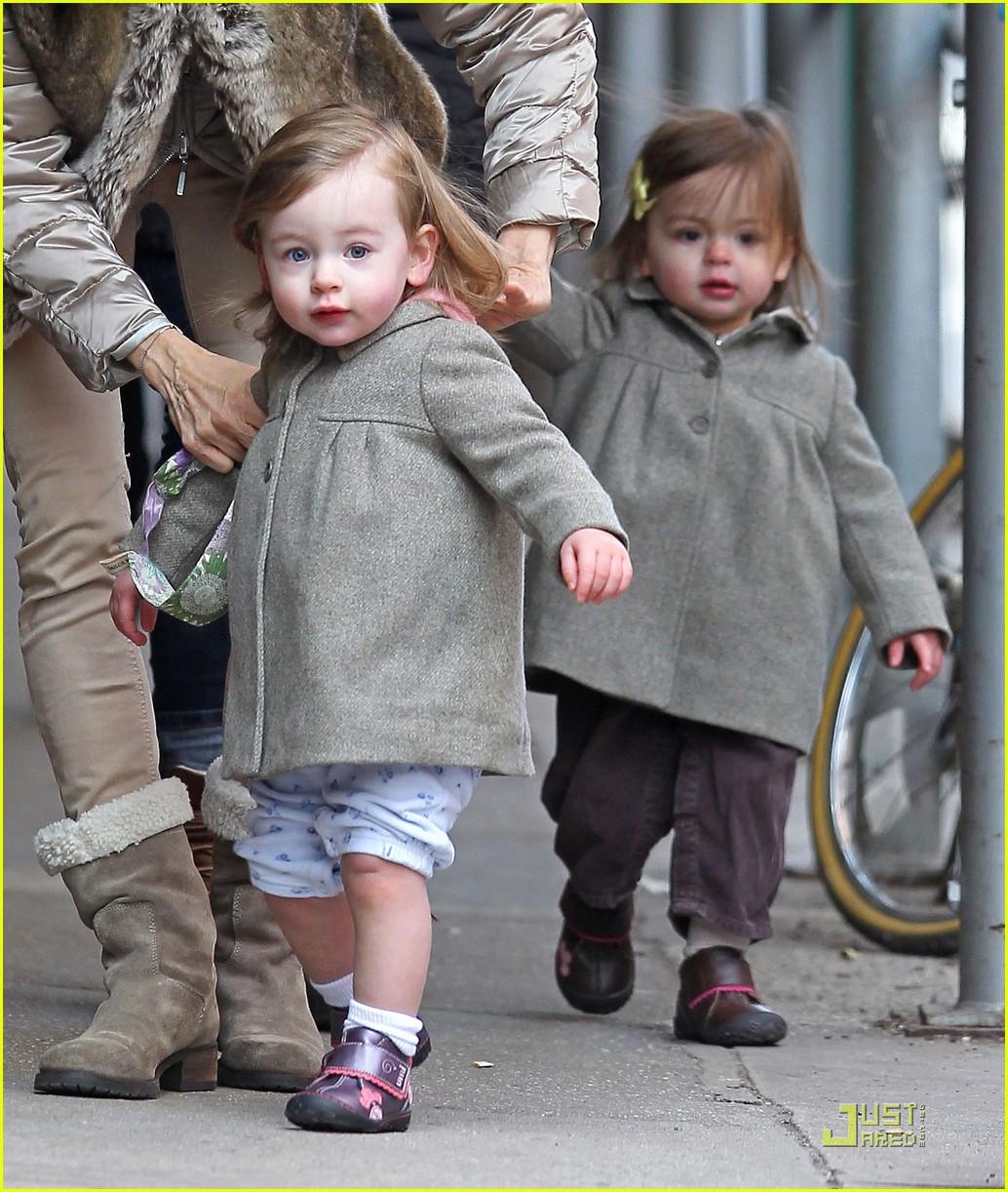 ksarah jessica parker birthday stroll twins 082530616
