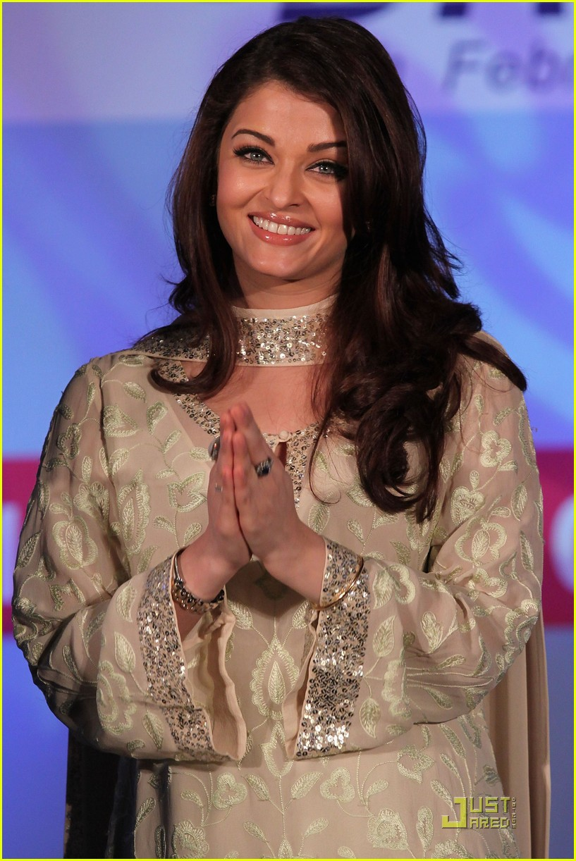 aishwarya rai womens drive awards 2011 03